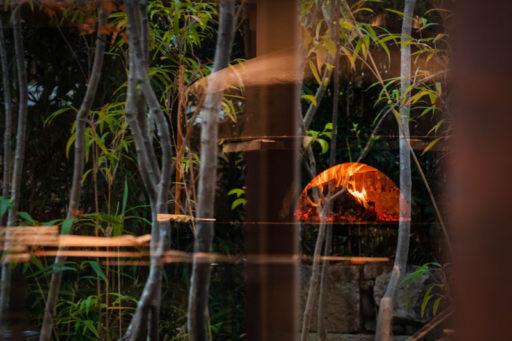 中島大祥堂の窯と笹