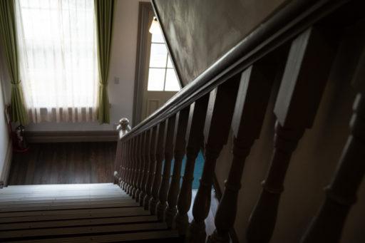 たんば黎明館の階段